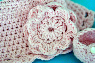 Crochet_best_baby_booties_and_cloche_dsc_2961_small2