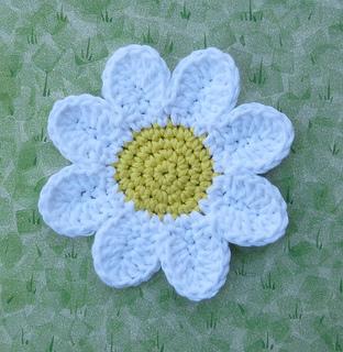 Free Crochet Daisy Coaster Pattern : Ravelry: Daisy Coasters pattern by Doni Speigle