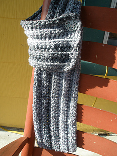 Cozy_buttoned_scarf_012_small2