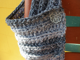 Cozy_buttoned_scarf_011_small2