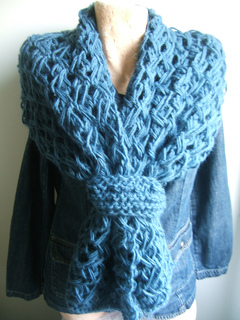 Breeze_shawl_with_toggle_small2