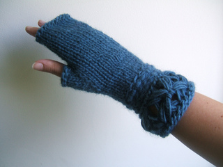 Breeze_fingerless_mittens_small2