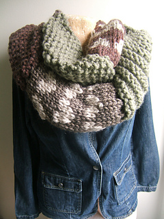 Highland_cowl_effect_neckwarmer_small2
