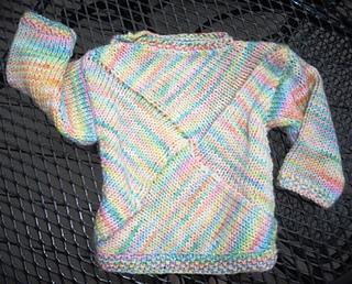 Pinwheel_baby_sweater_002c_small2
