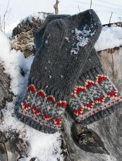 Nordic_nights_mitts_1_small2