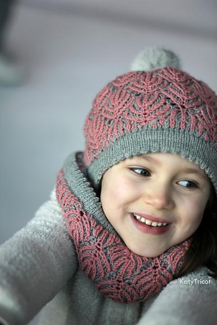 Tuque et col tricoté Beyond the pines par Ekaterina Blanchard