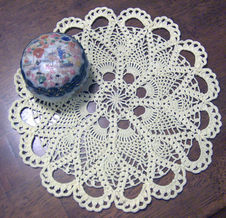 Pineapple_doily_small2