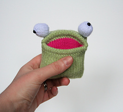 Baby_pocket_frog_1_small