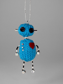 Robot_charm_web_small2