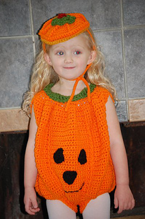 Pumpkin_costume_small2