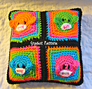 525_retro_pillow_small2