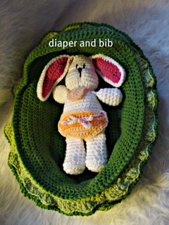 534_diaper_and_bib_small2