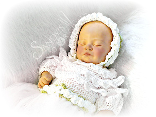 Christening_gown_bonnet_small2