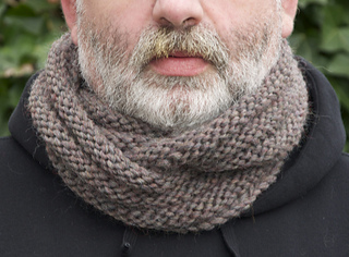 Mobius_cowl_grey2_small2