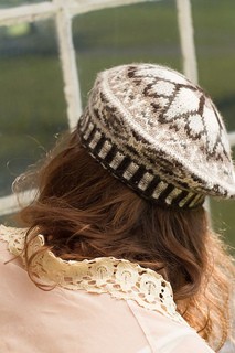 Vera_marg_hat_back_detail_small2