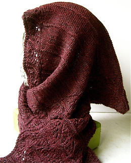 Waves_of_lace_hooded_scarf_2_small2