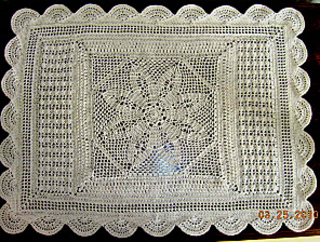 Annie_s_lace_throw_doily_small2