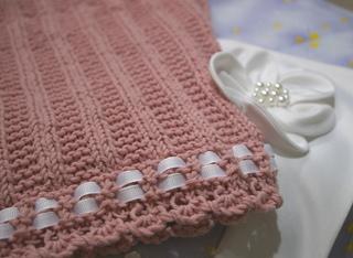 PinkLacedEdgeBlanket1_small2.jpg