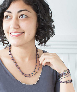 Crocheted-beaded-necklace-2_gallery_grande_small2