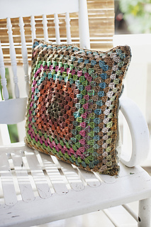 Granny-square-pillow_small2