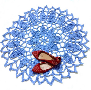 Blossoming_doily_rug_small2