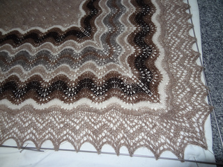 Shetlandshawlblocking2_small2