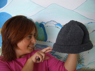 Compassioknitter-simplicity_hat_012_small2