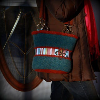 Going_to_town_purse-1_small2