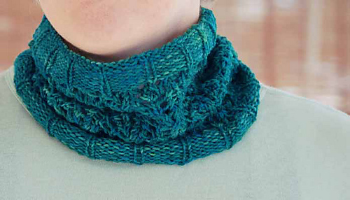 Pattivytanglecowl_medium