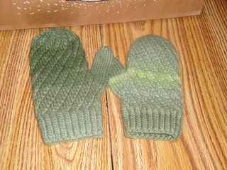 December_2010_knitting_012_small2
