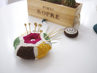 Jumbo_pincushion_small2