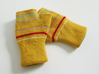 Reversible_fingerless_glove_mustard_stripe_small2