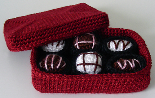 Crochet_box_of_chocolates_medium