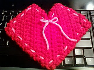 20110203_heart_pouch_small2