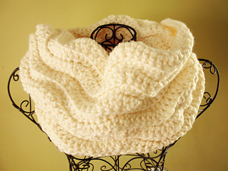 Cream_cowl_4_small2
