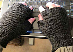 Mens Fingerless Gloves Knitting Pattern Free : Ravelry: Mens Fingerless Mitts pattern by Kathy North