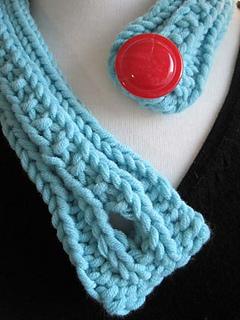 Bold_button_neckpiece_4_small2