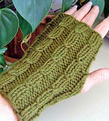 Twist_mitts_green_2_fix_small