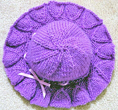 Bell_ruffle_hat_from_top_small