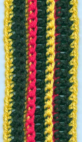 Chunky_stripe_scarf_flat_medium