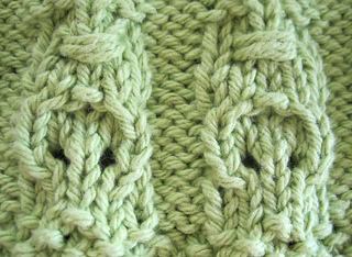 Crocodile_tiki_dishcloth_lt_green_closeup_crocodile_small2