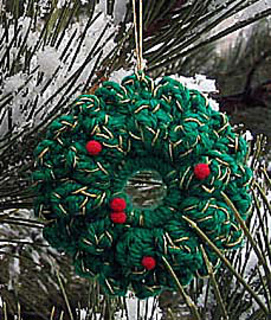 Crochet_ornaments_wreath_alone_small2