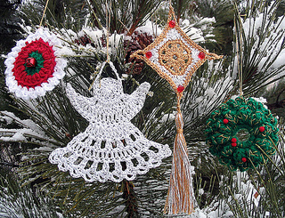 Crochet_ornaments_outside_really_good_shot_small2