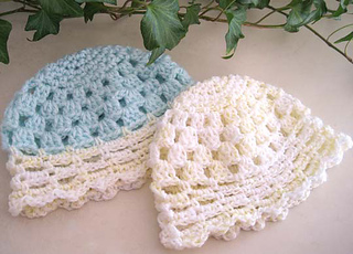Pretty_little_baby_hats_2_green_yellow_small2