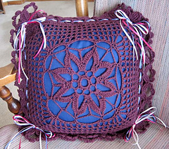 Flowered_filet_pillow_cover_new_small