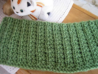 Lazy_afternoon_cowl_flat_reverse_small2