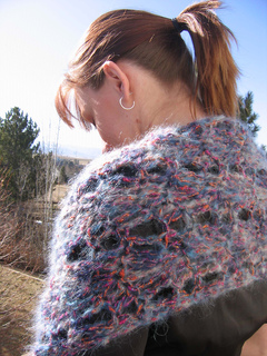 Sprng_snow_shawl_closeup_on_c_small2