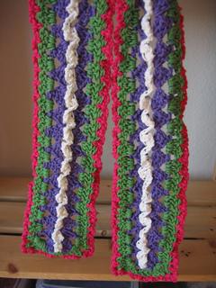 Fiesta_scarf_closeup_small2