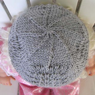 Lacy_baby_hat_gray_top_on_jessie_doll_small2