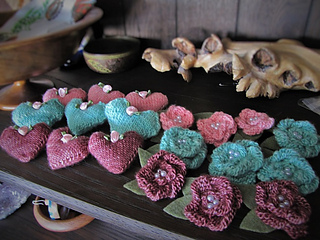 Rosette___mini_hearts_small2